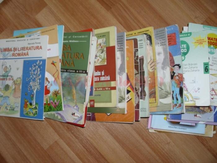 manuale-şcolare